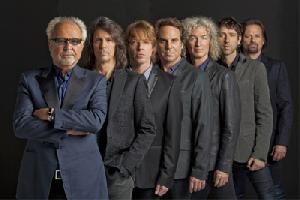 Legendäre Rockband Foreigner mit großem Orchester